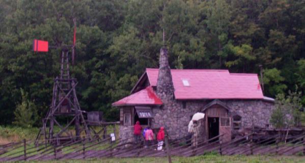 五郎さんの石の家